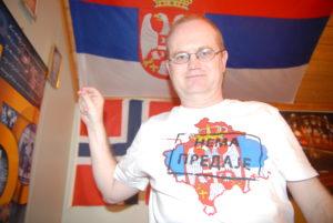Као што можда знате, ја сам парламентарни кандидат Демократа и члан централног одбора ове странке. Ако будем изабран, предложитћу повлачење норвешког признање Косова и заменити амбасадора Норвешке у Приштини отправником послова.